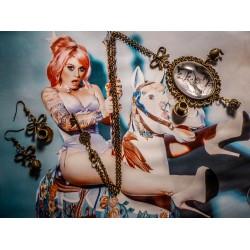 Collier bronze cabochon Alice aux pays des merveilles De l'autre côté du miroir ♠Alice♠
