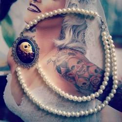 "Collier perles crème argenté Mexican Sugar Skulls calavera gypsy bohème ""Gothika"""