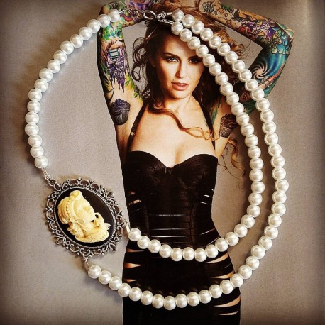 """Collier perles crème argenté Mexican Sugar Skulls calavera gypsy bohème """"Dia de los Muertos"""""""
