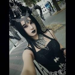 Collier argenté dentelle lune strass 666 Skullbird 666