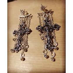 Boucles d'oreilles argentées chaines 666 Crucifix Kristiana 666