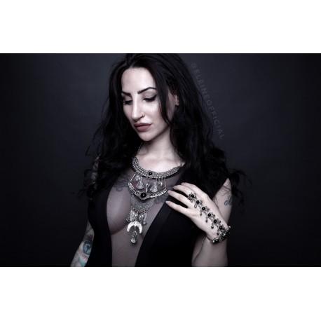 Collier maxi argenté plastron lune pierres noires Eleine