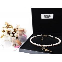 """Collier perles crème couleur bronze petite clef de coffre secret """"Lydie"""""""