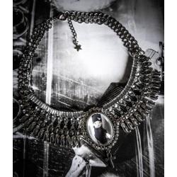 Collier plastron argenté camée steampunk gypsy bohème ♰Thug Sphinx♰