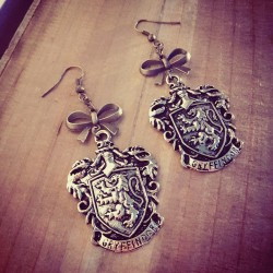 Boucles d'oreilles bronze écusson steampunk Harry Potter ♠Griffondor♠
