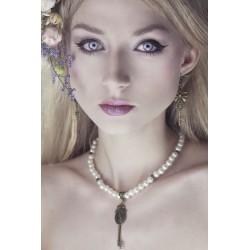 """Collier perles crème couleur bronze grande clef """"Lucia"""""""