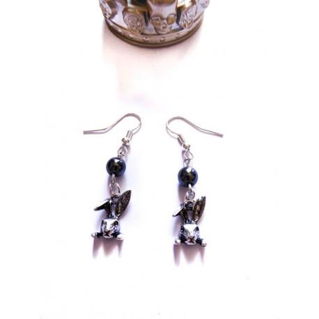 Boucles d'oreilles rosaire perles noires revisité Alice aux pays des merveilles
