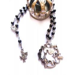 Chapelet rosaire perles noires revisité Alice aux pays des merveilles