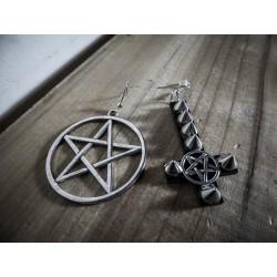 """Boucles d'oreilles argentées goth pentagram crucifix """"666 Spike me! 666"""""""