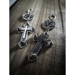 Boucles d'oreilles argentées goth croix 666 Spiky Sanctus Dei 666