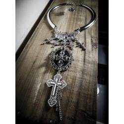 """Collier argenté cabochon croix """"666 Pirate Skull"""""""