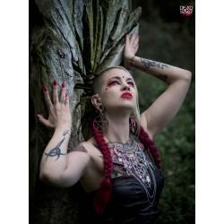"Collier maxi argenté plastron goth ""3 Skullbirds"""