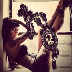 """Chapelet rosaire argenté camée femme Mexican Sugar Skulls calavera gypsy bohème """"Skulls & Roses"""""""