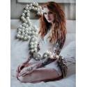 Chapelet rosaire perles ivoire tête de mort strass plumes pirate