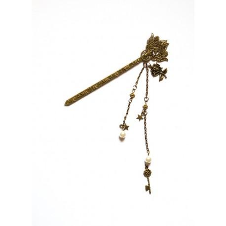 Pic à cheveux bronze chignon Geisha Kyoto Japan Roses